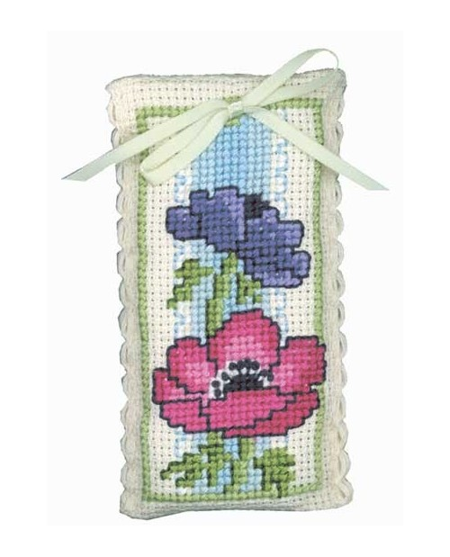 Lavender sachet anemone