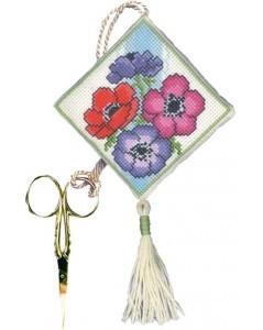 Scissors keep anemone