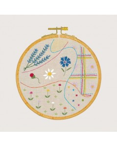 Embroidery lesson - Floral ambience. Traditional embroidery kits, with printed motive. Le Bonheur des Dames 1542