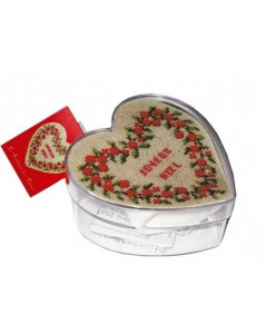 Red berries heart box