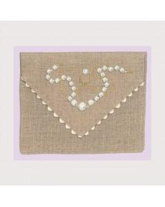 Linen envelop like pochette to embroider by cross stitch. Motive: jewels pearls. Le Bonheur des Dames. 5063