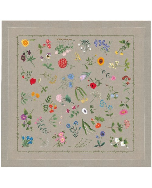 Tablecloth with flowers to stitch with traditional embroidery stitches.  Le Bonheur des Dames. 6103