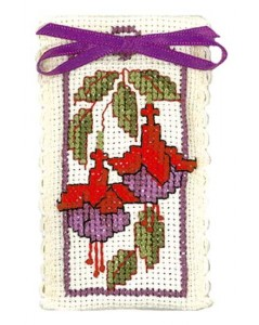 Lavender sachet fuchsias