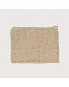Pochette made of linen Aida 7 pts/cm with rickrack edge. Le Bonheur des Dames TGM