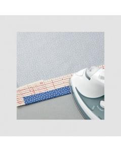 Outil pour faire des ourlets thermo-collés. Clover 7701