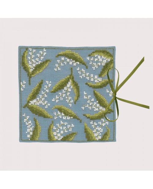 Needle case Lily of the Valley. Counted cross stitch kit. Le Bonheur des Dames. Item n° 3473