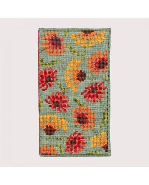 Spectacle case Helenum. Counted cross stitch kit. Item n° 3237. Le Bonheur des Dames