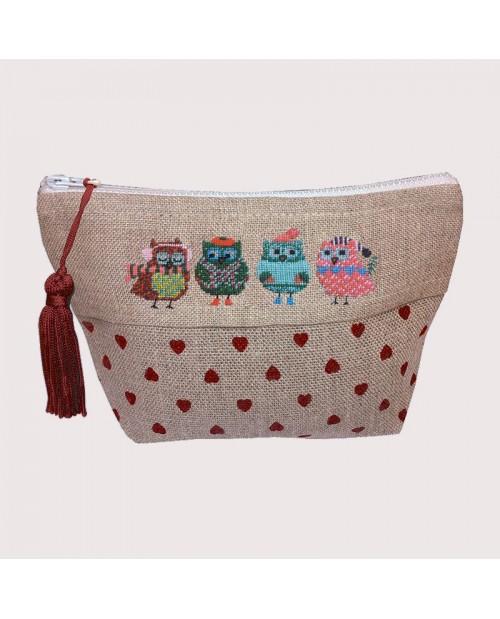 Pochette to embroider. Christmas Owls. Petit point. Designed by Cécile Vessière for  Le Bonheur des Dames