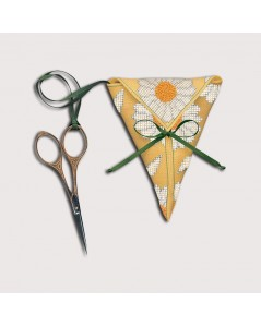 Scissor keep Daisies. Le Bonheur des Dames. Item n° 3374. Counted cross stitch kit.