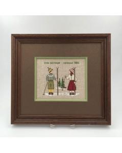 Two skiers. Embroidered and framed design. Designed by Cecile Vessiere for Le Bonheur des Dames. n° 2328