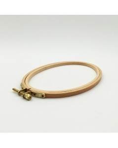 Tambour à broder 11.3 x 19 cm. Référence EHO9