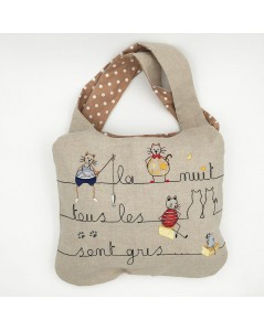Linen handbag embroidered and sewn. Motive: cats, mice. Le Bonheur des Dames. traditional embroidery. 2910