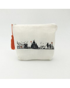White evenweave linen pochette to embroider by petit point. Motive Right bank of Paris. 9029
