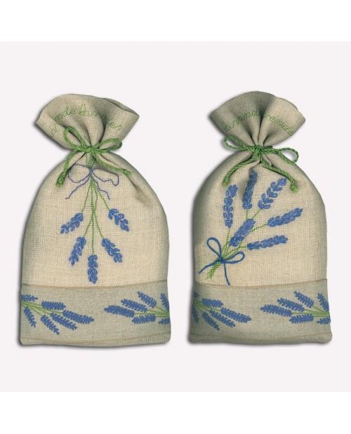 Deux sachets en lin avec les branches de lavande brodées au point de bouclette et au point arrière. Le Bonheur des Dames 5060