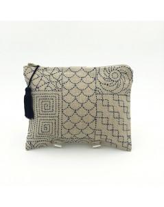 Trousse en lin brodée avec point de devant, motif style Sashiko. Le Bonheur des Dames 2951