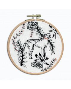 Le guépard. Kit broderie petit point à broder sur toile de lin blanche avec du fil noir. Le Bonheur des Dames 3663