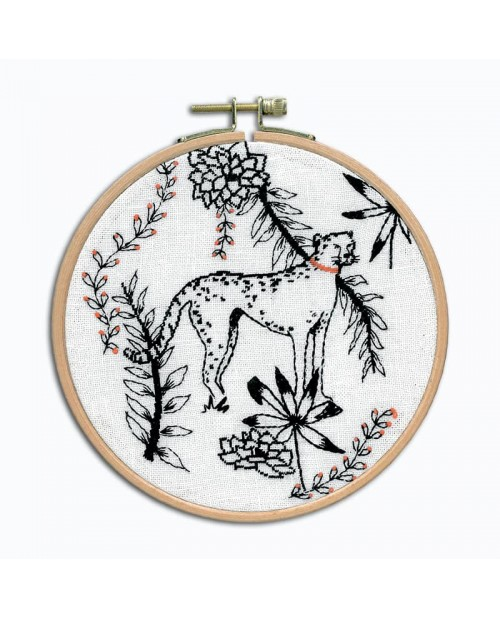 Cheetah. Petit point embroidery kit. To stitch on white linen with black threads.  Le Bonheur des Dames 3663