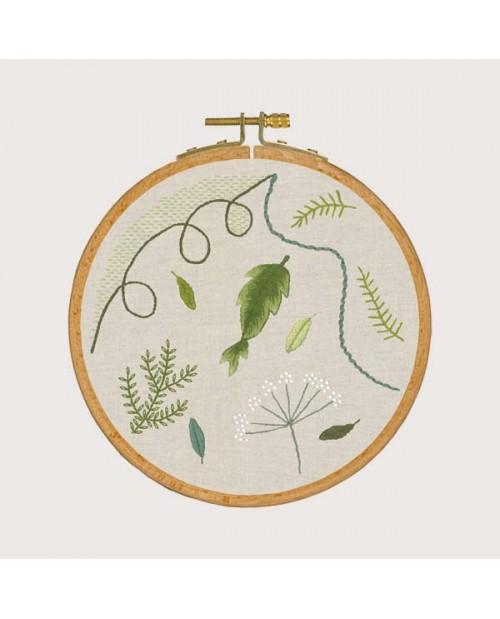 Leçon de point - Ambiance végétale. Kit broderie traditionnelle sur le tissu imprimé. Le Bonheur des Dames 1540.