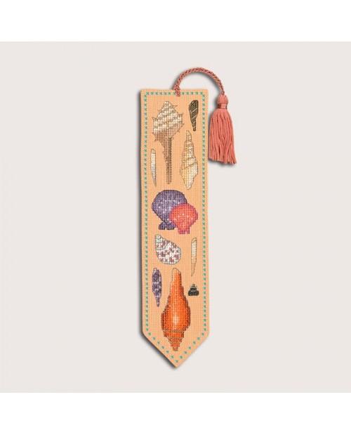 Bookmark to stitch by cross stitch on salmon color even-weave linen. Motive: seashells. Le Bonheur des Dames 4586
