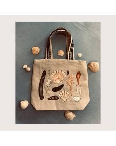 Linen cabas bag, sewn and painted by hand. Motive: seashells. Le Bonheur des Dames SPEL1