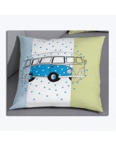 Bus bleu brodé sur trois toiles différentes: bleue, verte, blanche. Le Bonheur des Dames 834327